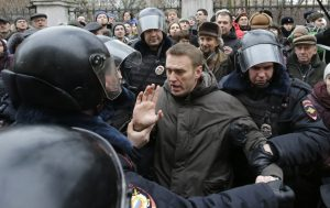High risk, low reward: Russia's opposition leader in court