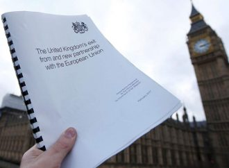 Brexit white paper to be released after resignation from hard Brexiteers