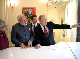 In India, Russia's Putin to sign deal to sell S-400 anti-aircraft system